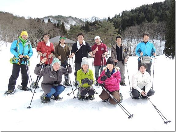 雪景色をバックに記念撮影!!