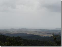 朴坂山より関川村を望む